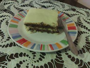 Снимка 2 от рецепта за Торта с бял шоколад, какаови бисквити и ванилов крем