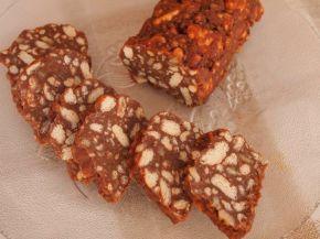 Снимка 1 от рецепта за Сладък салам с орехи и шоколад