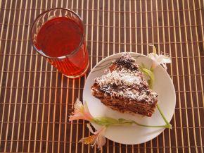 Снимка 1 от рецепта за Бисквитена торта с ягодов нюанс