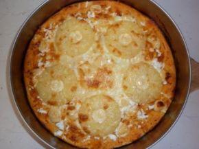 Снимка 1 от рецепта за Моята пица `Хаваи` с готово тесто