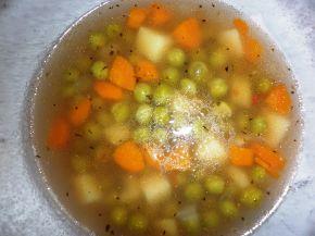 Снимка 1 от рецепта за Бистра зеленчукова супа с грах