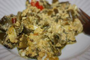 Снимка 1 от рецепта за Пържени чушки с извара и яйца