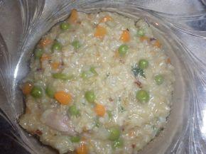 Снимка 1 от рецепта за Кафяв ориз със зеленчуци и късчета пилешко месо