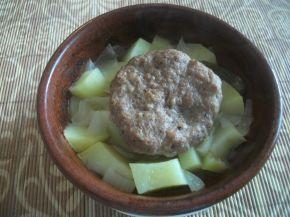 Снимка 1 от рецепта за Гювечета с картофи и кюфтенца