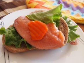Снимка 1 от рецепта за Свеж сандвич с риба
