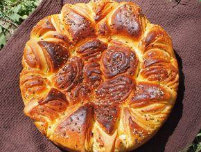 Снимка 1 от рецепта за Първомайска питка `Цвете`