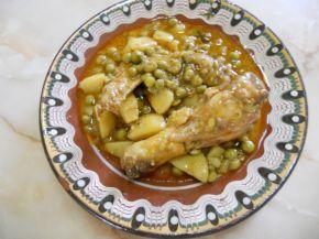Снимка 1 от рецепта за Пилешко с грах и картофи