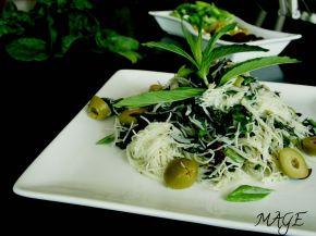 Снимка 1 от рецепта за Оризови спагети със спанак и песто