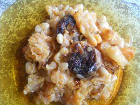 Снимка 1 от рецепта за Прясно зеле с боб и бахур