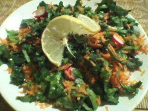 Снимка 1 от рецепта за Салата от репички, моркови, спанак, маруля и зелен лук