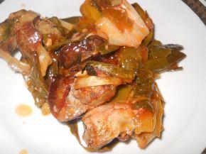 Снимка 1 от рецепта за Свинско месо с праз и лук