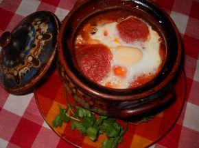 Снимка 1 от рецепта за Гювече със сирене, колбас и яйце