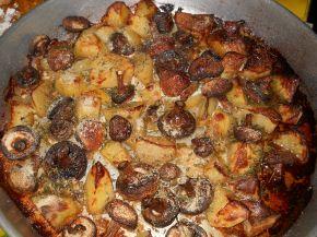 Снимка 1 от рецепта за Картофи, гъби и сметана на фурна