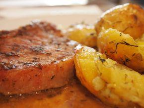 Снимка 1 от рецепта за Свински котлети с картофи