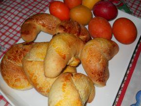 Снимка 1 от рецепта за Кузуначени кифлички с плънка от мармалад, стафиди и орехи