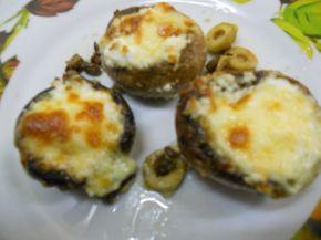 Снимка 1 от рецепта за Пълнени гъби с кашкавал, сирене и маслини