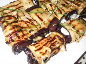 Снимка 1 от рецепта за Рулца от патладжан с плънка от извара и майонеза