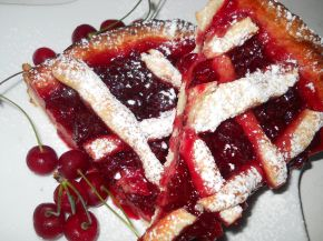 Снимка 1 от рецепта за Пай с вишни