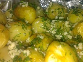 Снимка 1 от рецепта за Картофки във фолио