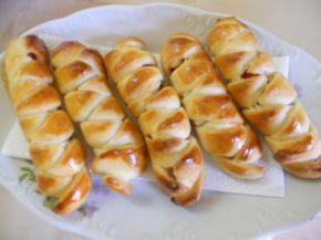 Снимка 1 от рецепта за Плетени кренвиршки