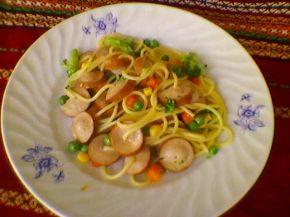 Снимка 1 от рецепта за Кренвирши със спагети и зеленчуци