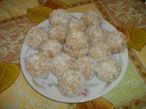 Снимка 1 от рецепта за Бисквитени топчета без печене