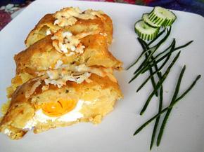 Снимка 1 от рецепта за Картофено руло с плънка от сирене и варени яйца