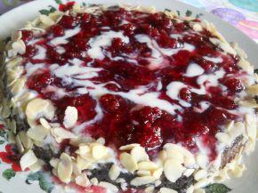 Снимка 1 от рецепта за Бърза торта с малиново сладко