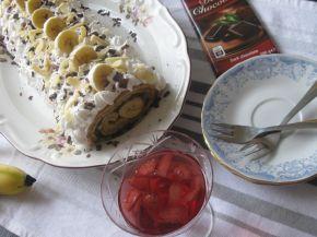 Снимка 1 от рецепта за Орехово руло с банани, крем и шоколад