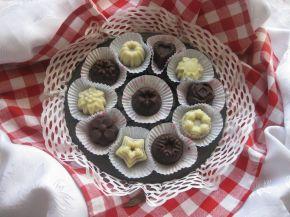 Снимка 1 от рецепта за Шоколадово-бисквитени бонбони