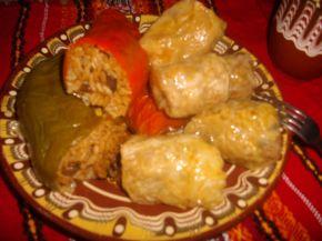 Снимка 1 от рецепта за Чушки пълни с ориз и гъби и сарми