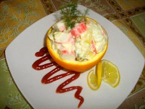 Снимка 1 от рецепта за Салата с ролца от раци и портокал