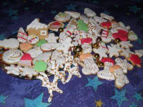 Снимка 1 от рецепта за Коледни сладки с `кралска глазура`