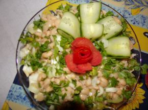 Снимка 1 от рецепта за Празнична салата с боб и праз