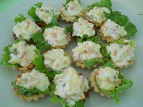 Снимка 1 от рецепта за Солени тарталетки с руска салата