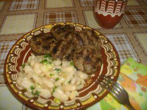 Снимка 1 от рецепта за Кюфтета с бобена салата