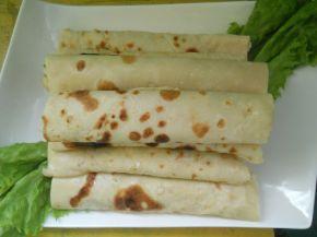 Снимка 1 от рецепта за Палачинки със сос от кисели краставички, майонеза и сметана