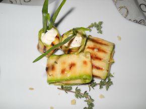 Снимка 1 от рецепта за Гриловани тиквички с крема сирене и мащерка