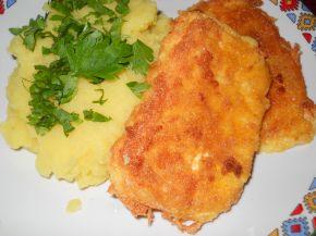 Снимка 1 от рецепта за Паниран кашкавал върху канапе от картофено пюре