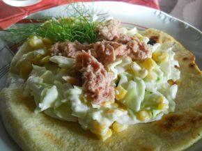 Снимка 1 от рецепта за Тортиля със салата и риба тон