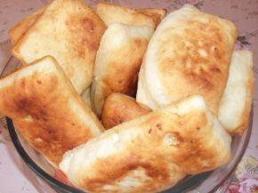 Снимка 1 от рецепта за Питки, рязани с чиния