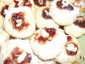 Снимка 1 от рецепта за Маслени сладки със сладко и орехче