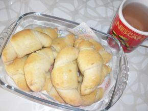 Снимка 1 от рецепта за Кифлички със сода