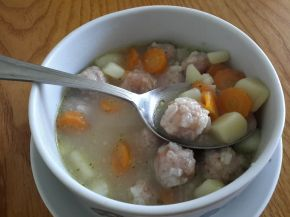 Снимка 1 от рецепта за Супа топчета без застройка