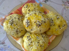Снимка 1 от рецепта за Малки закуски с царевичен грис и брашно