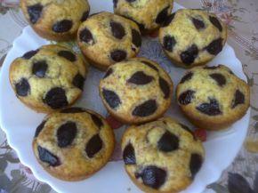 Снимка 1 от рецепта за Мъфини с вишни и вишновка