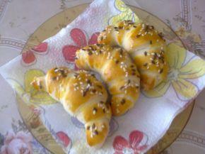 Снимка 1 от рецепта за Малки кифлички с извара за рожден ден