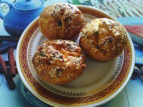 Снимка 1 от рецепта за Мъфини с пилешки кренвирши, чушки и кашкавал