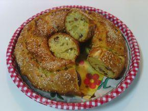 Снимка 1 от рецепта за Кекс със сирене, кашкавал, шпек и сушени домати