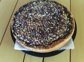 Снимка 1 от рецепта за Пирог със сладко от сливи и орехи